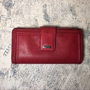Vintage Fossil leather wallet with coin purse